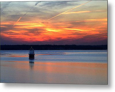 Metal Print featuring the photograph Baltimore Light At Gibson Island by Bill Swartwout