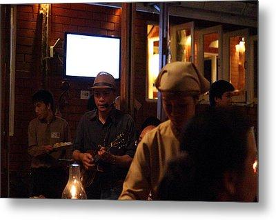 Band At Palaad Tawanron Restaurant - Chiang Mai Thailand - 01134 Metal Print by DC Photographer