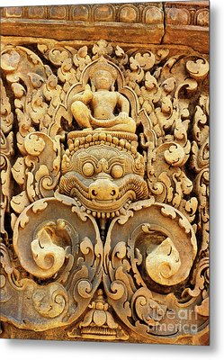 Banteay Srei Carving 01 Metal Print by Rick Piper Photography