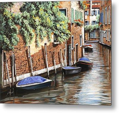 Barche A Venezia Metal Print by Guido Borelli
