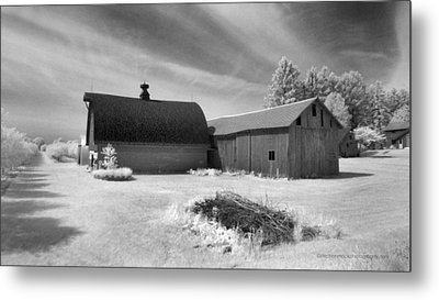 Barn And Grove On Hwy Z Metal Print