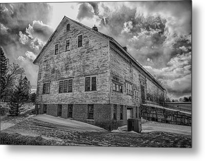 Barn At Amhi   7k00333 Metal Print by Guy Whiteley