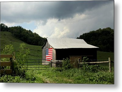 Barn In The Usa Metal Print by Karen Wiles