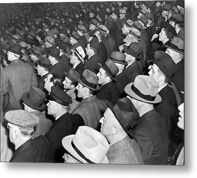 Baseball Fans At Yankee Stadium For The Third Game Of The World Metal Print by Underwood Archives