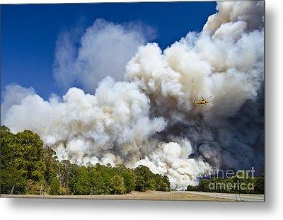 Bastrop Burning Helicopter Metal Print by Richard Mason