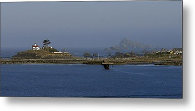Battery Point Lighthouse And Castle Rock Metal Print by Betty Depee