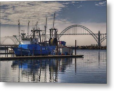 Bay Island Docked - Newport Oregon Metal Print