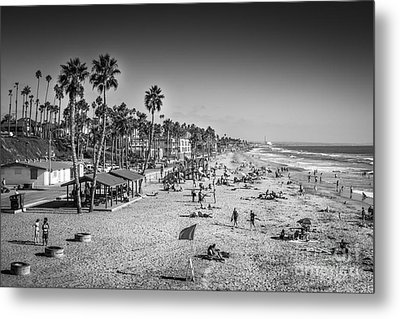 Beach Life From Yesteryear Metal Print by John Wadleigh