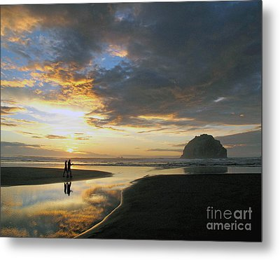 Metal Print featuring the photograph Bandon Beach Stroll by Suzy Piatt