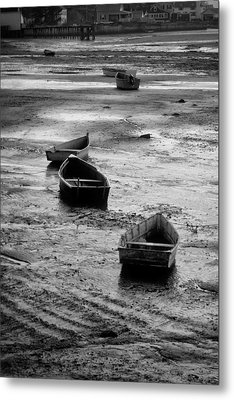 Beached Boats Metal Print by Gary Slawsky