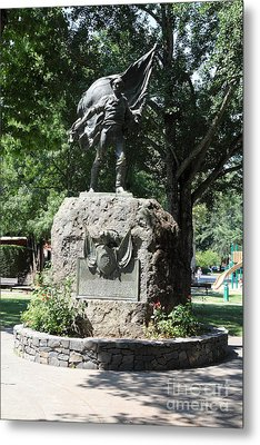 Bear Flag Statue At Sonoma Plaza In Downtown Sonoma California 5d24433 Metal Print by Wingsdomain Art and Photography