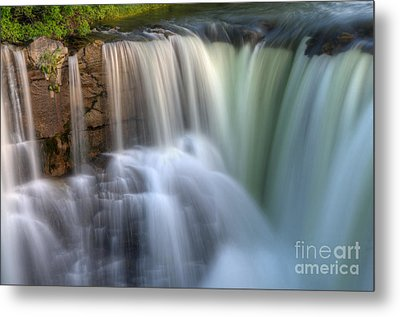 Beauty Of Water Metal Print by Bob Christopher