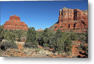 Metal Print featuring the photograph Bell Rock And Courthouse Butte by Penny Meyers