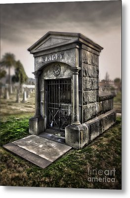 Bellevue Cemetery Crypt - 03 Metal Print by Gregory Dyer