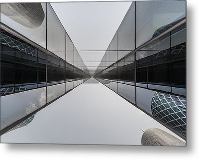 Belly To Building Metal Print by Charlie Tash