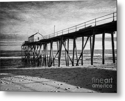 Metal Print featuring the photograph Belmar Fishing Pier In Black And White by Debra Fedchin