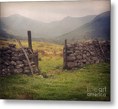 Metal Print featuring the photograph Ben Nevis Mountian Range by Roy  McPeak