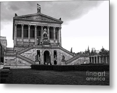 Berlin - National Gallery - Black And White Metal Print by Gregory Dyer