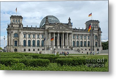 Berlin - Reichstag Front Metal Print by Gregory Dyer