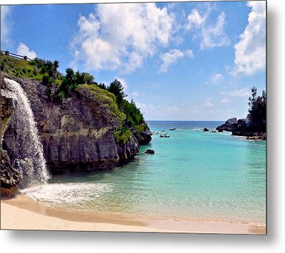 Metal Print featuring the photograph Bermuda by Janice Drew
