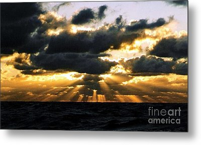 Crepuscular Biblical Rays At Dusk In The Gulf Of Mexico Metal Print