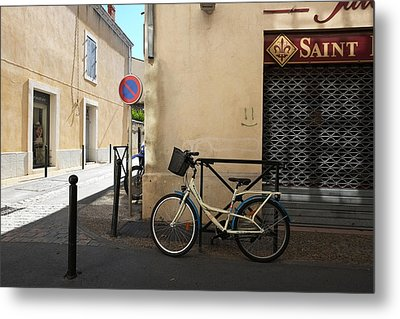 Bicycle Aigues Mortes France Metal Print by John Jacquemain