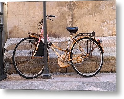 Bicycle Lecce Italy Metal Print by John Jacquemain