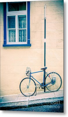 Bicycle On The Streets Of Old Quebec City Metal Print by Edward Fielding