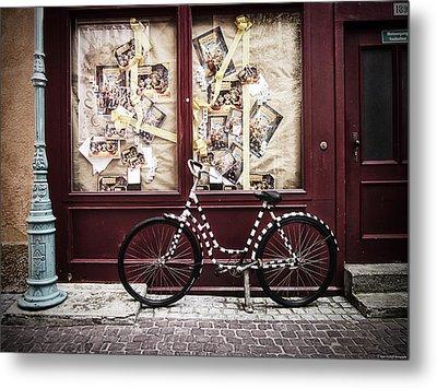 Bicycle Metal Print by Ryan Wyckoff