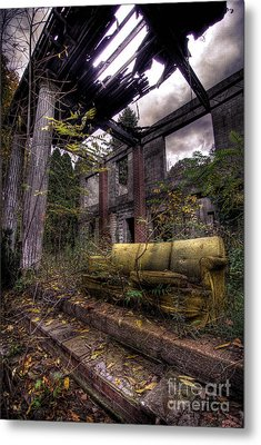 Big Comfy Couch Metal Print by Amy Cicconi