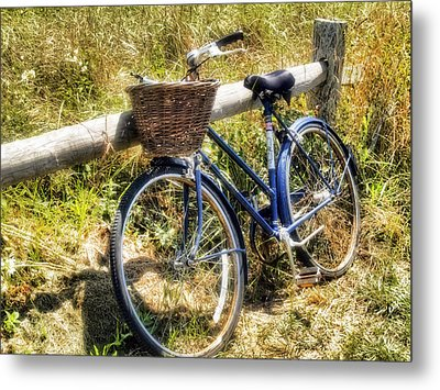 Metal Print featuring the photograph Bike At Nantucket Beach by Tammy Wetzel