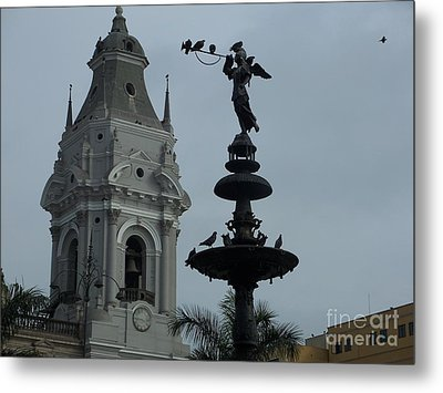 Birds On Fountain Metal Print by Marilyn Zalatan