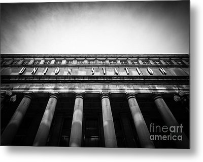 Black And White Chicago Union Station Metal Print by Paul Velgos