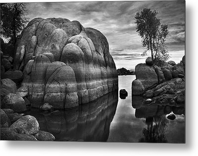 Black And White Rocks At Watson Lake Near Prescott Arizona Metal Print by Dave Dilli