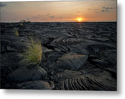 Metal Print featuring the photograph Big Island - Black Ocean by Francesco Emanuele Carucci