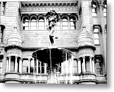 Blind Naked Justice Statue Bexar County Courthouse San Antonio Texas Black And White Conte Crayon Metal Print by Shawn O'Brien