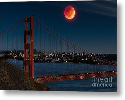 Blood Moon Over Golden Gate Bridge Metal Print by Dan Hartford