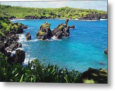 Metal Print featuring the photograph Blue Hawaiian Lagoon Near Blacksand Beach On Maui by Amy McDaniel