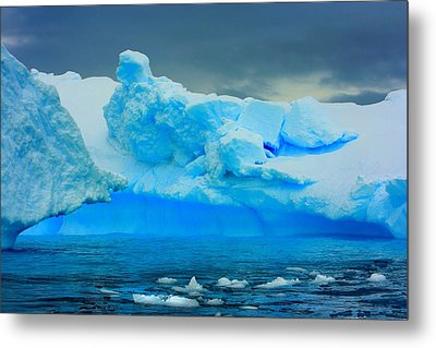 Metal Print featuring the photograph Blue Icebergs by Amanda Stadther