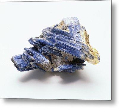 Blue Kyanite Crystals In Groundmass Metal Print by Dorling Kindersley/uig