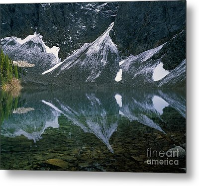 Blue Lake Reflection Metal Print by Tracy Knauer