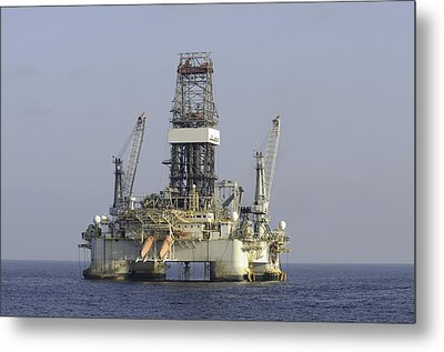 Metal Print featuring the photograph Blue Water Oil Rig by Bradford Martin