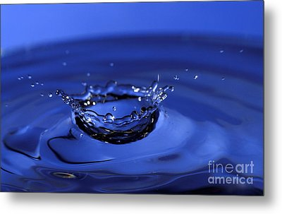 Blue Water Splash Metal Print