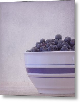 Blueberry Splash Metal Print by Kim Hojnacki