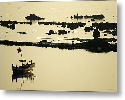 Boat Amongst The Rocks Metal Print