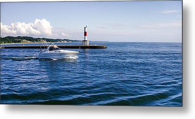 Boat At Holland Pier Metal Print by Lars Lentz
