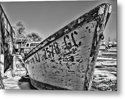 Boat - State Of Decay In Black And White Metal Print by Paul Ward