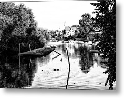 Boathouse Row Lagoon In Black And White Metal Print by Bill Cannon
