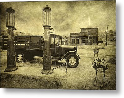 Metal Print featuring the photograph Bodie Memories by Priscilla Burgers
