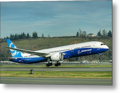 Metal Print featuring the photograph Boeing 787-9 Gets Airborne by Jeff Cook